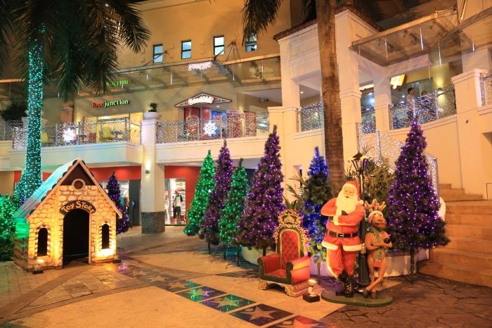 Christmas Village (2)
